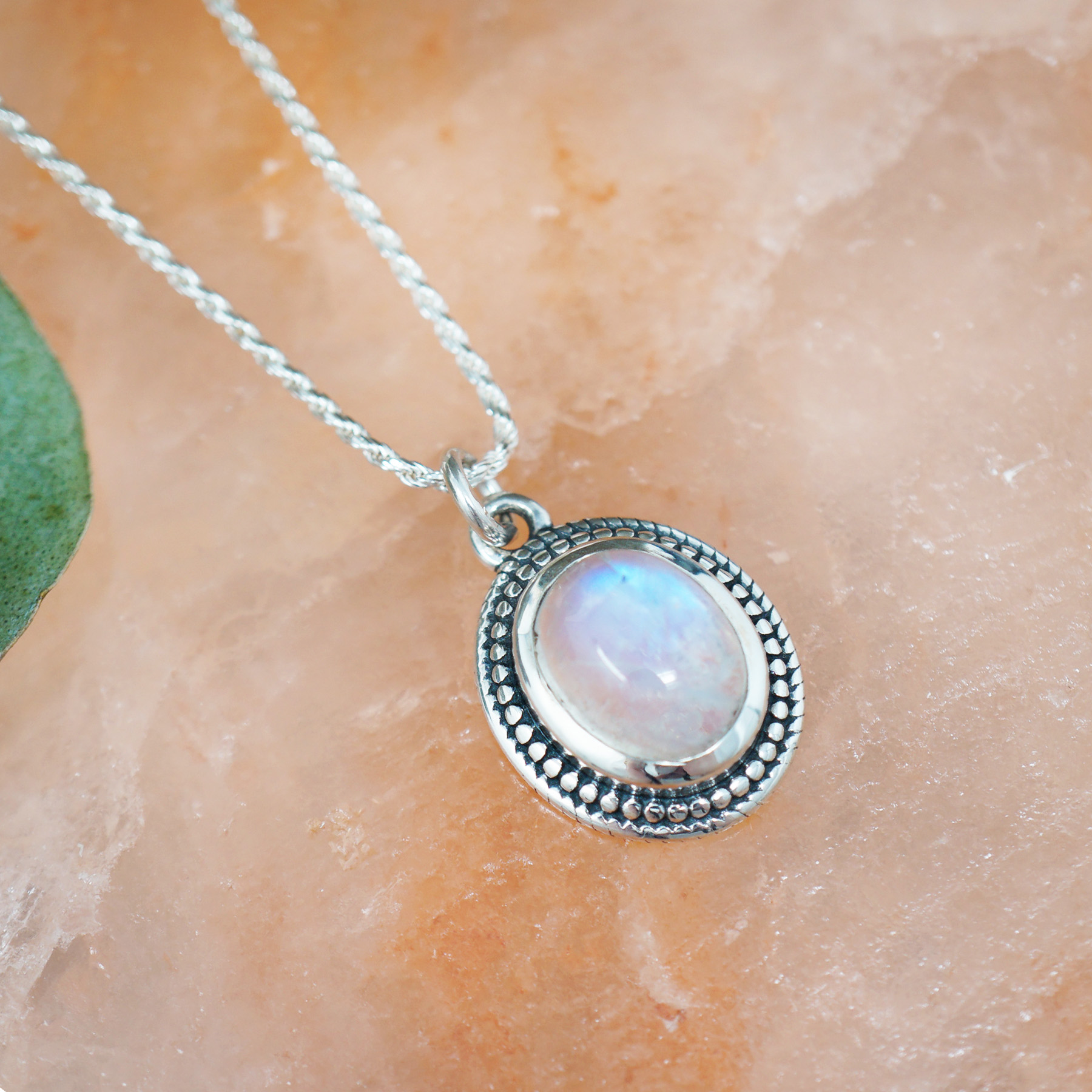 oval moonstone necklace2